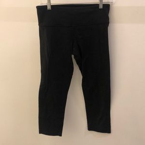 Lululemon black crop legging, sz 6, 68491